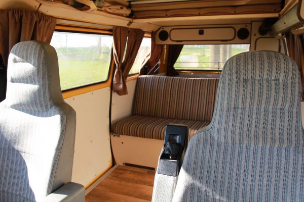 Draaistoel VW T3 westfalia interieur 600x400 - Iness